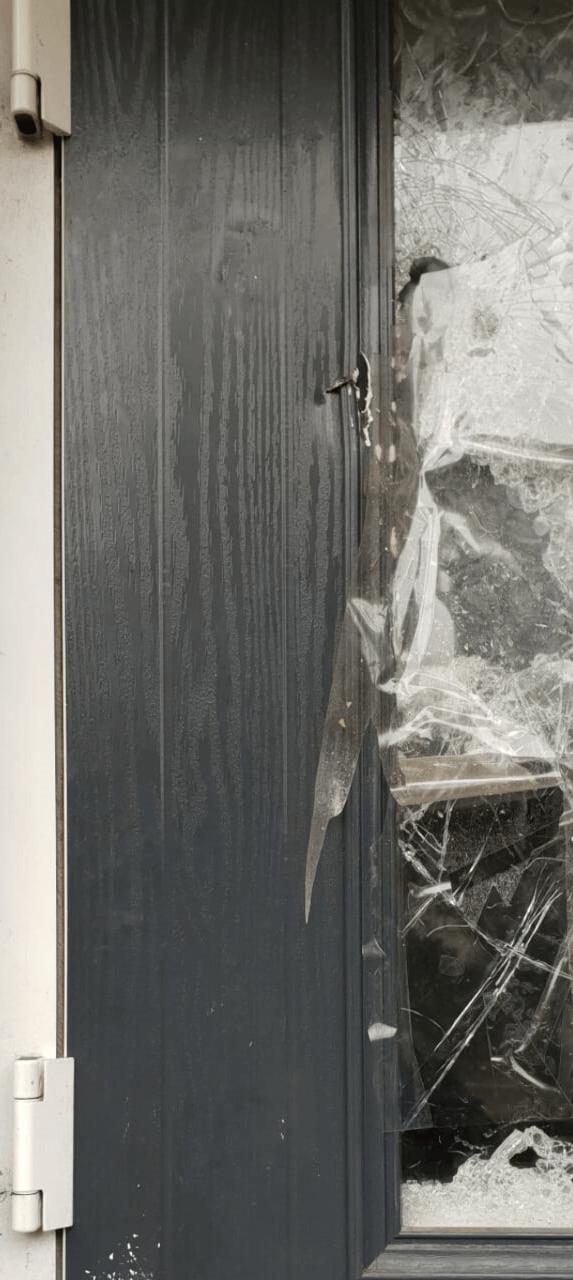 Before of damaged door repair.